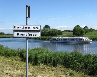 ms-luebeck-quandt-linie-unterwegs-elbe-27169